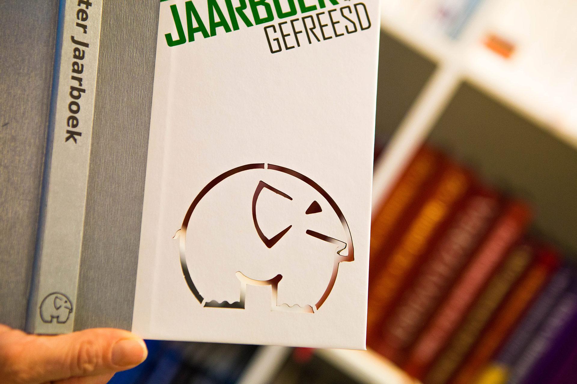 PerfectBook - Omslagen stansen of frezen in de meest gekke vormen
